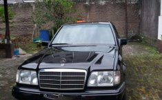 Jual Mercedes-Benz 300E 1989 harga murah di Jawa Barat
