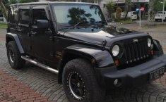Mobil Jeep Wrangler Rubicon 2012 terawat di DIY Yogyakarta