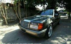 Jual Mercedes-Benz 300E 1992 harga murah di DIY Yogyakarta