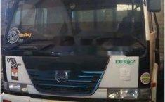 Jual mobil UD Truck CW Series 2009 bekas, Jawa Timur