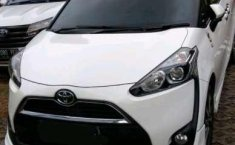 Mobil Toyota Sienta 2016 V terbaik di DKI Jakarta