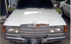 Jual mobil Mercedes-Benz 200 1983 bekas, Jawa Barat