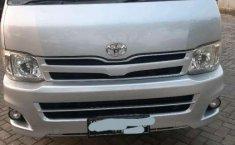 Mobil Toyota Hiace 2013 High Grade Commuter terbaik di Riau