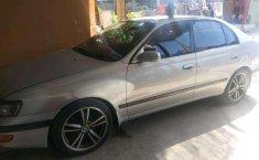 Jawa Timur, Toyota Corona 2000 kondisi terawat