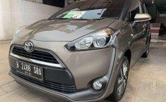 Jual Toyota Sienta V 2016 harga murah di DKI Jakarta