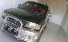 Mobil Mitsubishi Kuda 2003 Grandia terbaik di Sulawesi Selatan