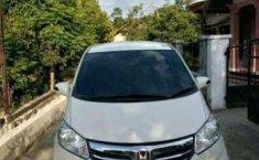 Aceh, jual mobil Honda Freed PSD 2012 dengan harga terjangkau
