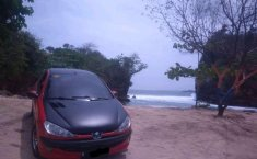 Mobil Peugeot 206 2004 terbaik di Jawa Timur