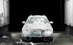 Mengenal Perbedaan Antara Premium Car Wash dengan Cuci Mobil Biasa