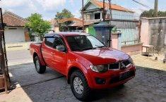 Mobil Mitsubishi Triton 2011 dijual, Jawa Tengah