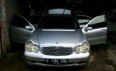Mobil Mercedes-Benz C-Class 2002 C 240 terbaik di Jawa Barat