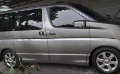 Mobil Nissan Elgrand 2010 terbaik di Jawa Barat