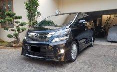 Mobil Toyota Vellfire 2.4 Z Alless Tahun 2012 terawat di DKI Jakarta