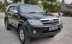 Jual cepat Toyota Fortuner G 2006 di Banten