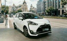 Jawa Timur, Toyota Sienta Q 2017 kondisi terawat