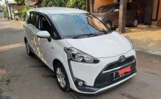 Jawa Barat, mobil Toyota Sienta G AT 2017 dijual