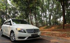 Jual cepat Mercedes-Benz B-CLass B 200 Urban 2013 bekas di Banten