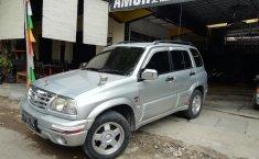 Jual mobil bekas Suzuki Grand Escudo 2.0i MT 2001 dengan harga murah di Jawa Tengah