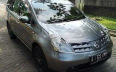 Dijual mobil Nissan Grand Livina SV 2010 murah di DI Yogyakarta