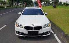 Jawa Timur, jual mobil BMW 5 Series 520i 2014 dengan harga terjangkau