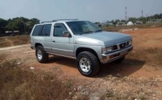 Mobil Nissan Terrano 2001 Spirit terbaik di Jawa Barat