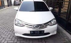 Mobil Toyota Etios Valco 2014 E terbaik di Sumatra Utara