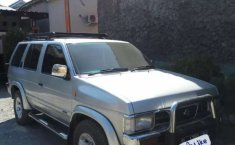 Dijual mobil bekas Nissan Terrano Spirit, Jawa Barat