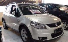 Mobil Suzuki SX4 2012 terbaik di Jawa Timur