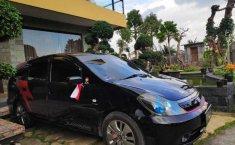 Bali, Honda Stream 2005 kondisi terawat
