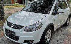 Mobil Suzuki SX4 X-Over 2011 terbaik di DIY Yogyakarta