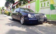 Dijual mobil bekas Mercedes-Benz E-Class E 230, Jawa Tengah