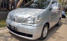 Jual Nissan Serena Autech 2004 harga murah di Jawa Timur