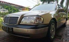 Sumatra Utara, jual mobil Mercedes-Benz C-Class C200 1997 dengan harga terjangkau
