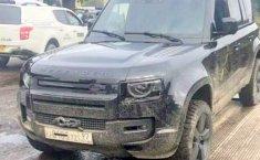 Sosok All New Land Rover Defender Terkuak Sedang Ikut Shooting Film James Bond Terbaru