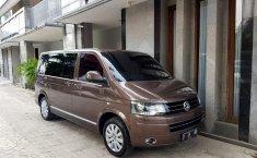 Mobil Volkswagen Caravelle 2.0 TDi 2013 terawat di DKI Jakarta