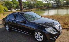 Dijual mobil bekas Mercedes-Benz E-Class E 300, Jawa Timur