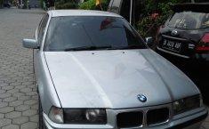 Jual mobil bekas murah BMW 3 Series 323i 1997 di Jawa Barat