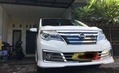 Bali, Nissan Serena Highway Star 2017 kondisi terawat