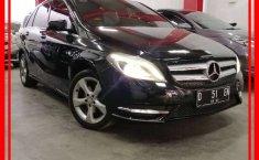 Mobil Mercedes-Benz B-CLass 2013 B 200 dijual, Jawa Barat