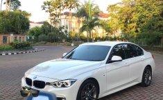 Jual cepat BMW 3 Series 330i Tahun 2017 di Jawa Timur