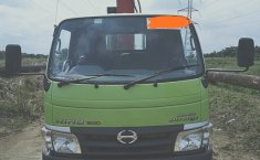 Jual mobil Hino Dutro + Foco Crane 3 Ton 2016 bekas di Riau