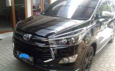 Mobil Toyota Venturer 2018 terbaik di Jawa Barat