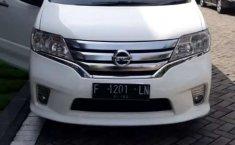 Jual Nissan Serena Highway Star 2014 harga murah di Jawa Barat