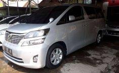 Mobil Toyota Vellfire 2011 terbaik di Jawa Tengah