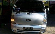 Jual Kia Travello 2010 harga murah di DIY Yogyakarta