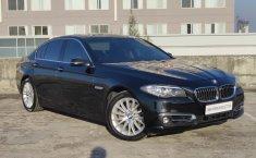 Dijual mobil bekas Mobil BMW 5 Series 528i Luxury 2014, Jawa Timur