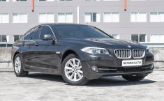 Mobil BMW 5 Series 520d 2012 dijual, Jawa Timur