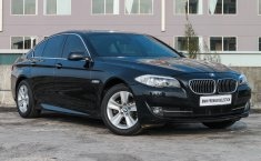Dijual mobil bekas BMW 5 Series 528i 2013, Jawa Timur