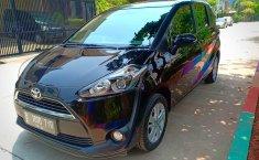 Mobil Toyota Sienta G 2017 terawat di DKI Jakarta