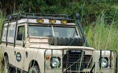Jual cepat Land Rover Defender 2.3 Manual 1977 di Jawa Barat
